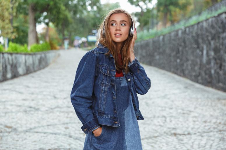 5 razones por las que está de moda escuchar audiolibros