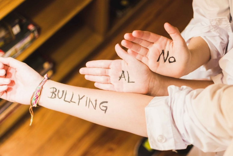«Bullying», baja autoestima y rechazo paternal