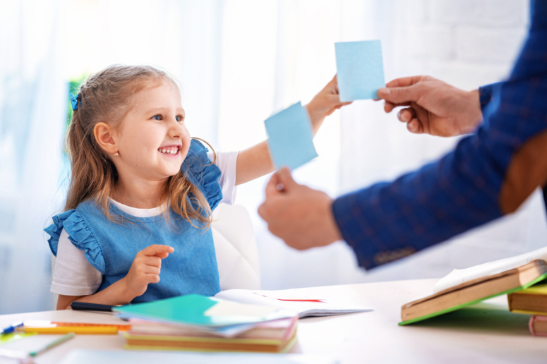 Cómo ayudar a niños con TOC en el aula